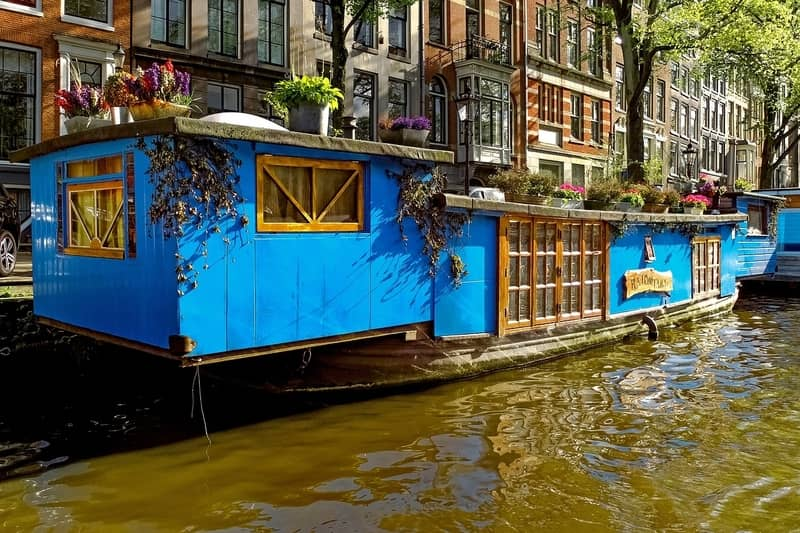 How Much Is a Houseboat in Amsterdam? - Amsterdam Hangout